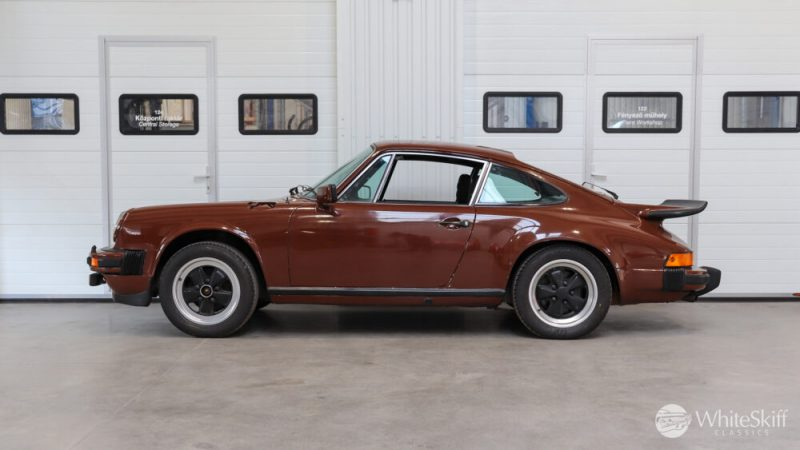 1976 Posrche 911 - Bitter Chocolate 76 (3)