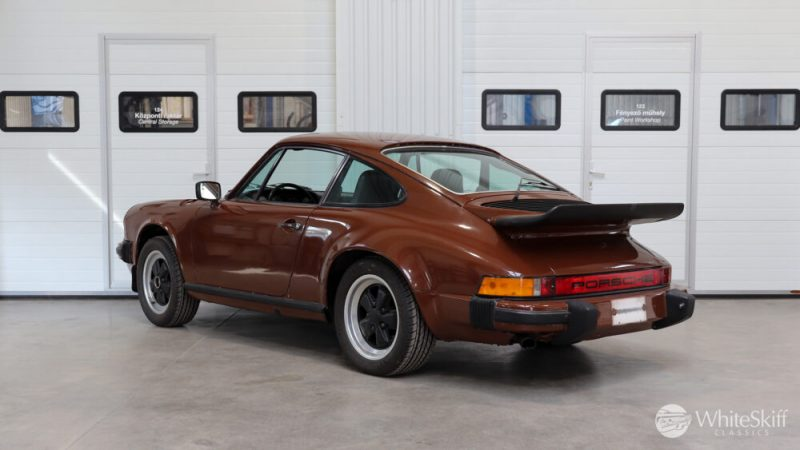 1976 Posrche 911 - Bitter Chocolate 76 (4)