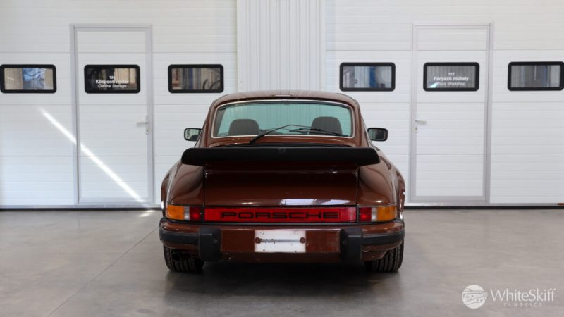 1976 Posrche 911 - Bitter Chocolate 76 (5)