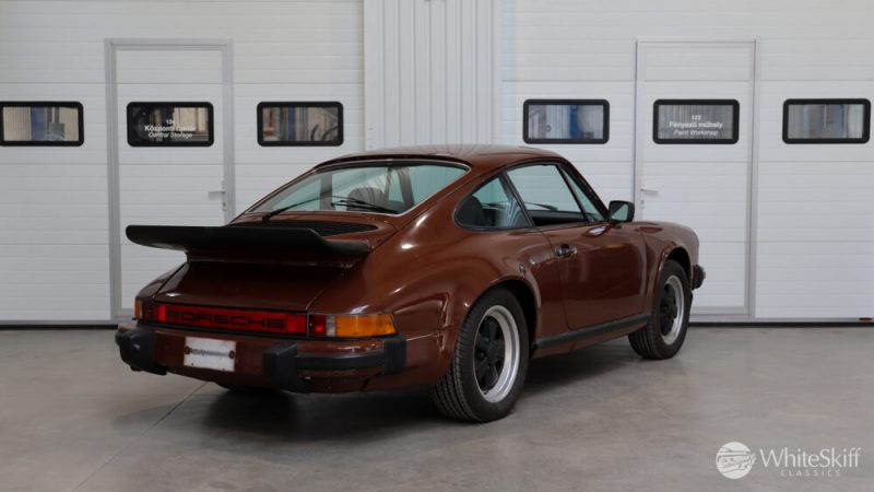 1976 Posrche 911 - Bitter Chocolate 76 (6)