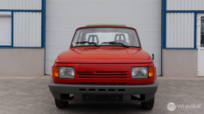 1990 Wartburg 1.3 Flame Red (1)
