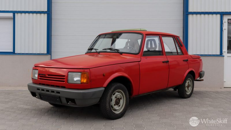 1990 Wartburg 1.3 Flame Red (2)