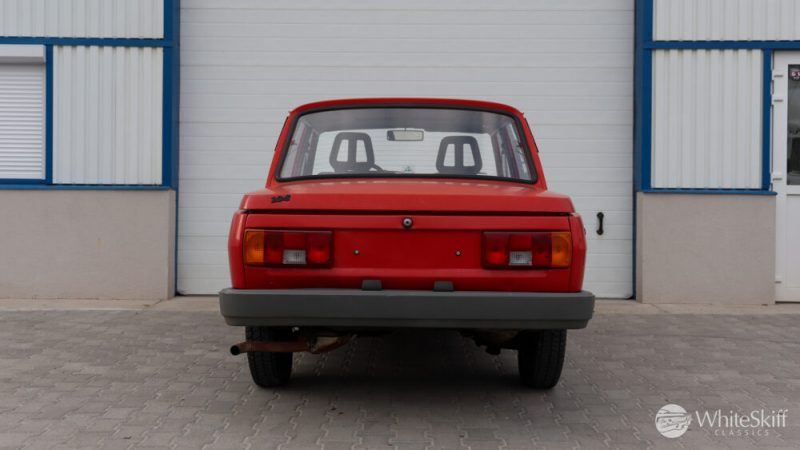 1990 Wartburg 1.3 Flame Red (5)