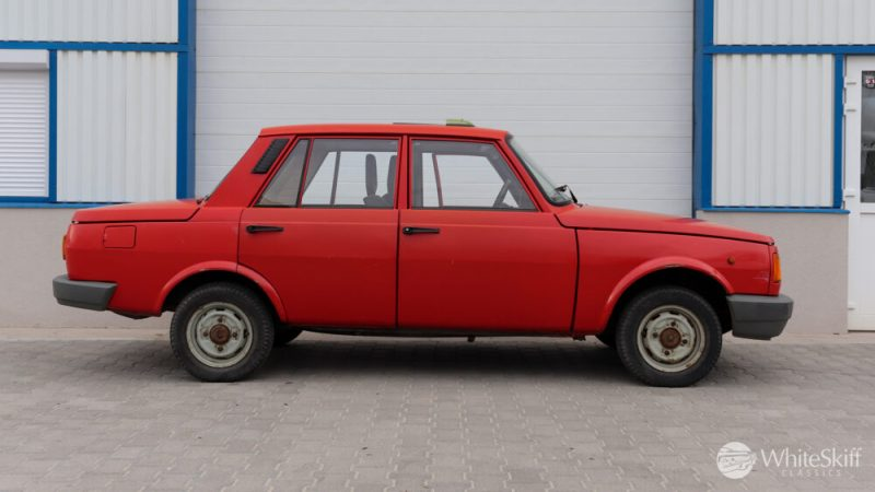 1990 Wartburg 1.3 Flame Red (7)