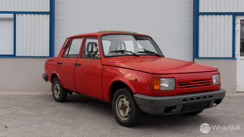 1990 Wartburg 1.3 Flame Red (8)