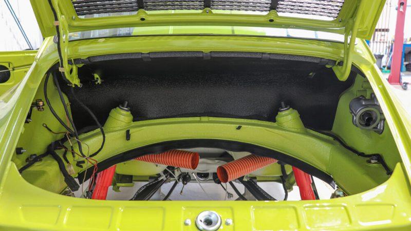 1972 Porsche 911 T Coupé Lime Green motortér