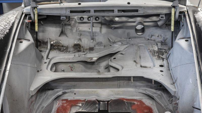 2110005 1966 Porsche 911 Aga Blue csomagtér