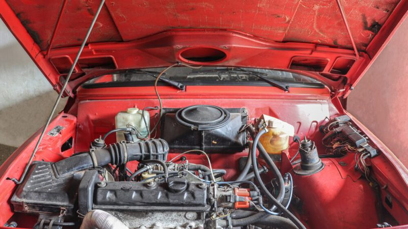 2120003 1991 Wartburg 1.3 Flame Red motortér