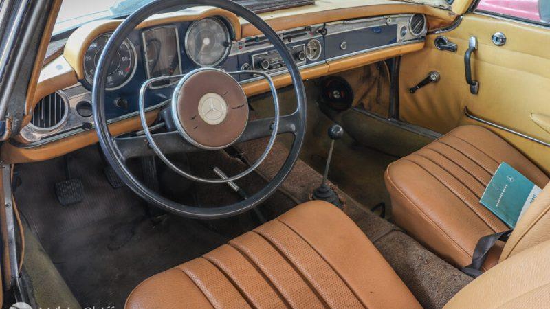 2120004 1966 Mercedes 230SL Blue beltér