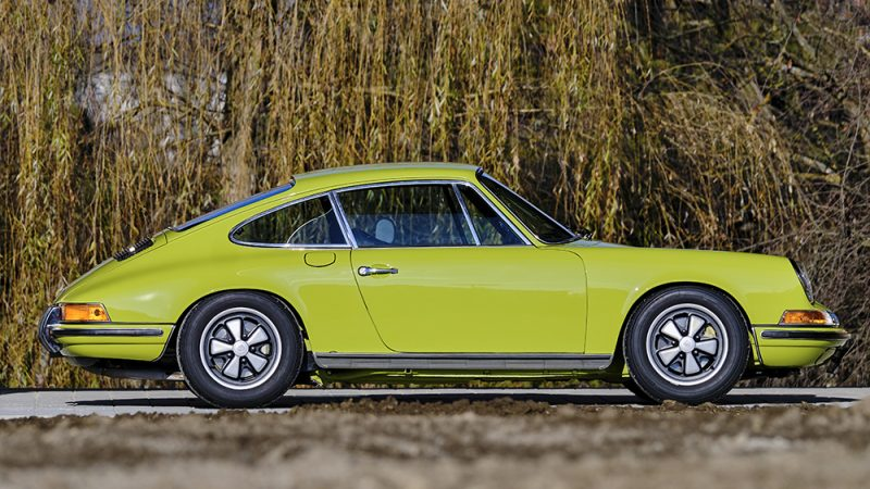 1972 Porsche 911T Coupé Lime Green right view