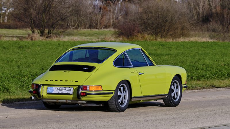 1972 Porsche 911T Coupé Lime Green right back view
