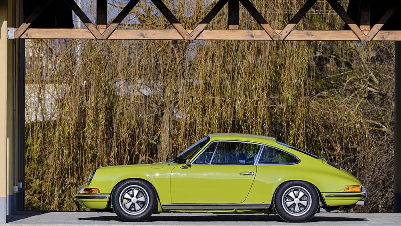 1972 Porsche 911T Coupé Lime Green left view