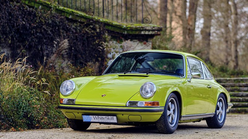 1972 Porsche 911T Coupé Lime Green front view